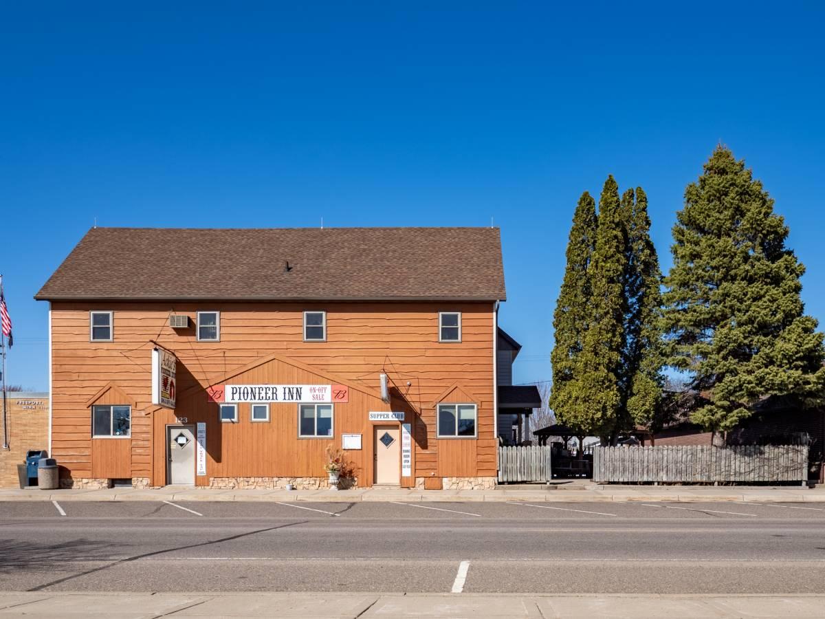 Ackie's Pioneer Inn